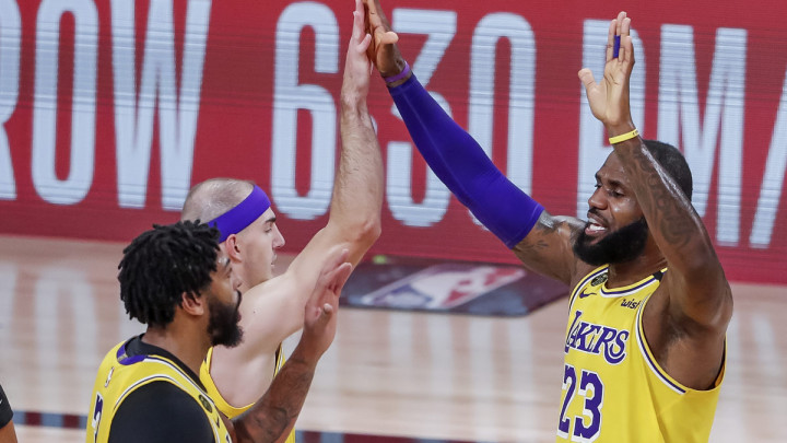 Davis vodi Lakerse ka finalu