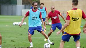 Konačno stiže ponuda za Pjanića koju u Barceloni nestrpljivo čekaju?