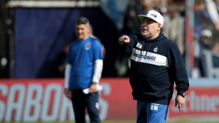 Maradona vrijeđao novinare zbog obećanja koje je već narednog dana prekršio
