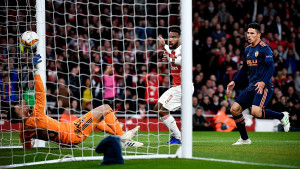 Kolašinac upisao asistenciju: Arsenalu prva runda dvomeča sa Valencijom