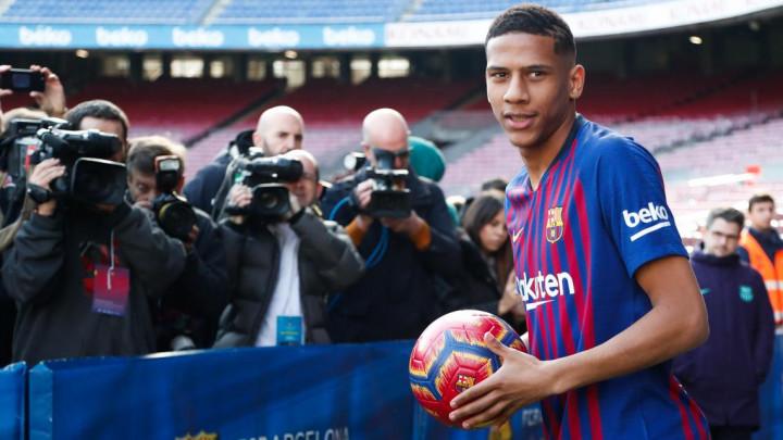 Prije šest mjeseci stigao u Barcelonu, a sada na dobrom putu da napusti Camp Nou