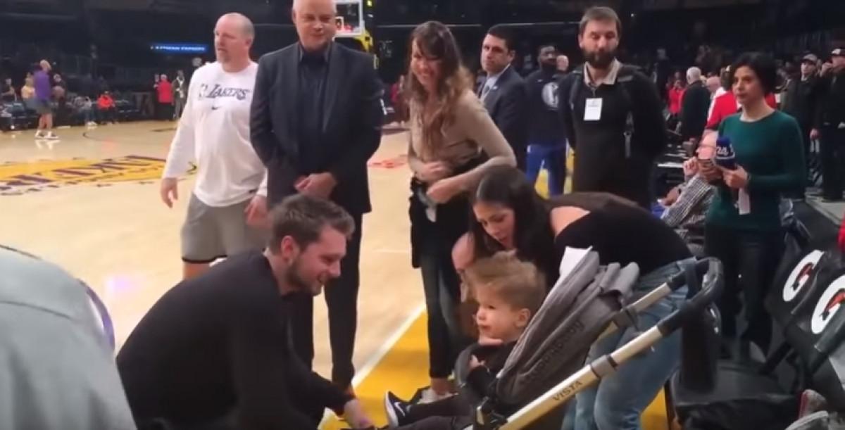 Dončić upoznao malog dječaka za kojeg je platio dio sredstava za liječenje