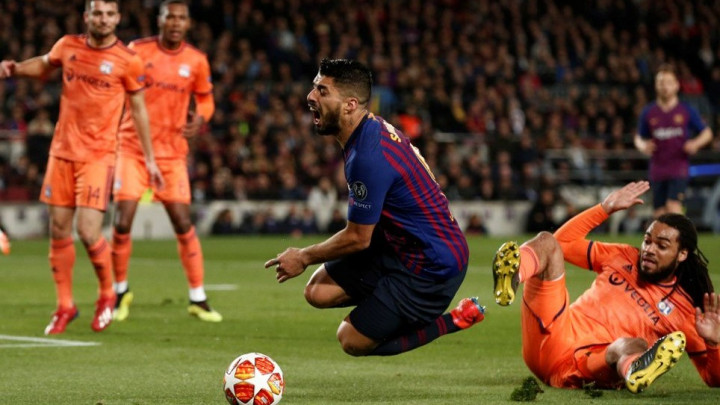 Sudija tvrdi: Penal za Barcelonu je greška, Suarez je napravio prekršaj u napadu