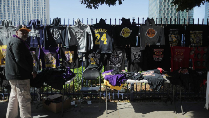 Zabranjena prodaja predmeta sa komemoracije Kobeju Bryantu