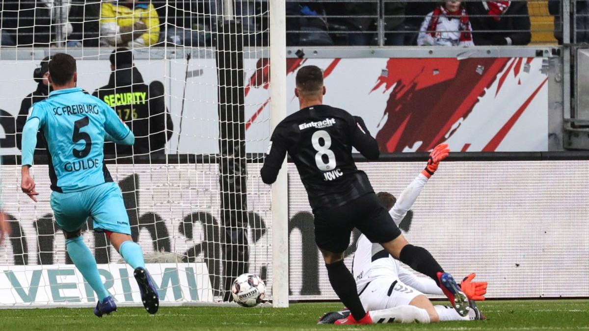 I lider iz Dortmunda ne može da zaustavi Luku Jovića