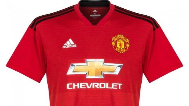 Novi dresovi Manchester Uniteda oduševili navijače: Dominiraju detalji iz 1999. godine