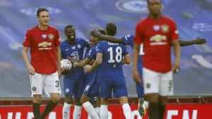 Chelsea se lako obračunao s Manchester Unitedom i pridružio se Arsenalu u finalu FA kupa