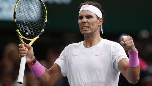 Nadal i Đoković se namučili, ali bez izgubljenog seta prošli u osminu finala