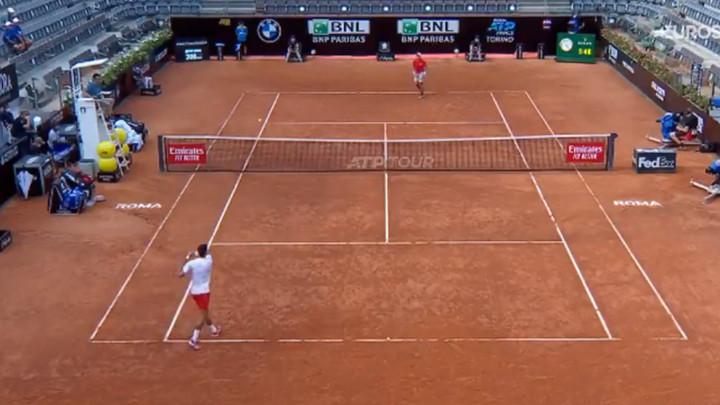 Sudija Đokovića pomiješao s Federerom, pa izazvao reakciju srbijanskih teoretičara zavjere