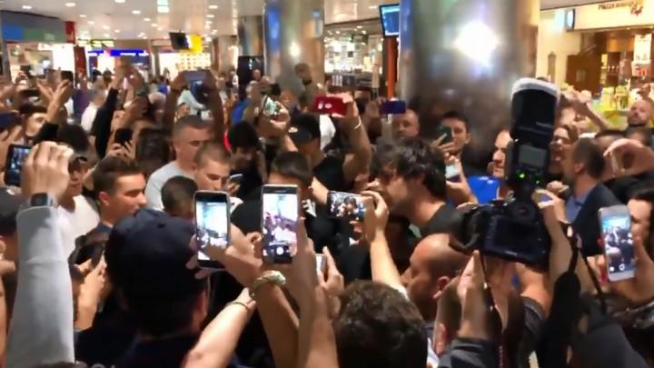 Navijači Virtusa napravili sjajan doček na aerodromu za Miloša Teodosića