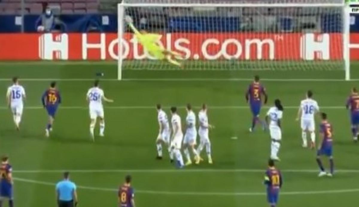 Dječak na golu Dinama je protiv Barcelone činio čuda