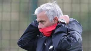Mourinho može pakovati kofere, United poslao ponudu za njegovu zamjenu?