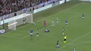 Nestvarne tri odbrane u svega nekoliko sekundi obilježile noć u Evropskoj ligi