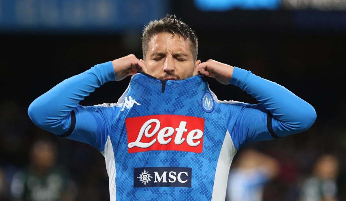 Mertens potpisuje novi ugovor s Napolijem