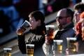 Englezi žele povratak piva na stadione, privilegovani Nijemci