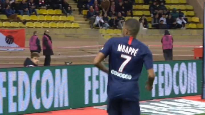 Mbappe nije slavio prvi gol protiv Monaca, a kada je zabio drugi samo je pogledao ka tribinama