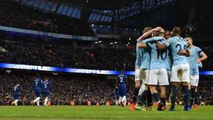 Na Etihadu zasvirala himna Chelseaja nakon katastrofe Plavaca, pa se City morao izvinjavati