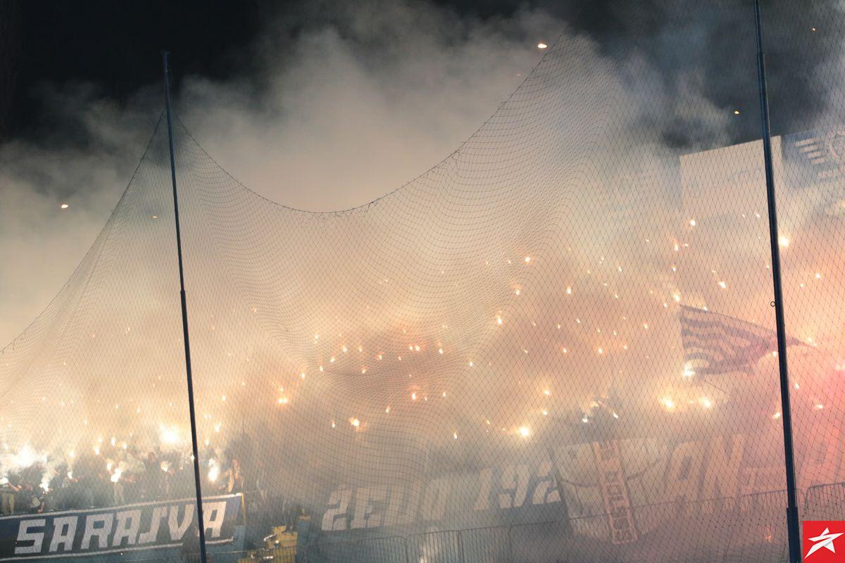 Parolom na sjevernoj tribini Grbavice Manijaci najavili dolazak na skupštinu FK Željezničar