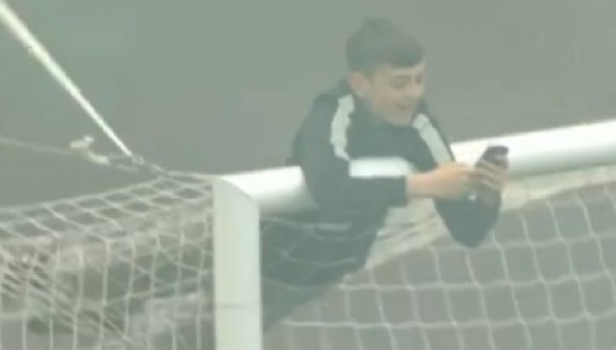 Dječak tokom protesta na Old Traffordu pao sa gola
