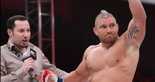 Strahovit knock-out: Spahović ekspresno razbio Golčića