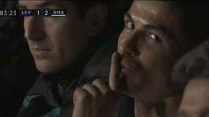 """Ljutiti Ronaldo nakon izmjene """"svađao"""" se s kamermanom"""