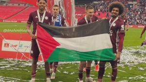 Dok njihove države šute na izraelsku agresiju, oni umjesto trofeja nosaju palestinsku zastavu!