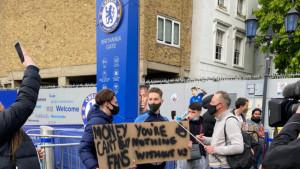 Navijači Chelseaja izašli na ulice i digli glas