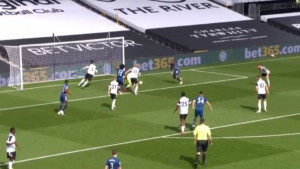 Ludnica Premiershipa je počela: Arsenal vodi protiv Fulhama
