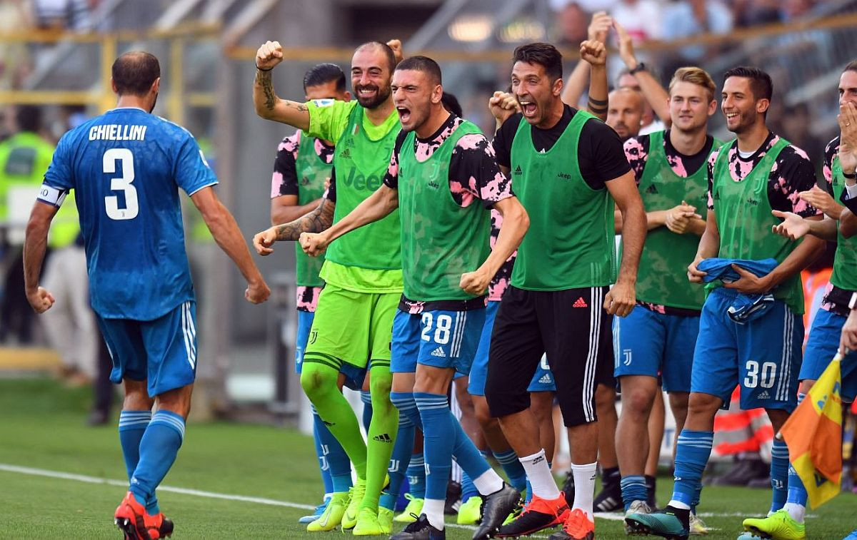 Odavno nije viđena jača klupa kao Juventusova protiv Parme