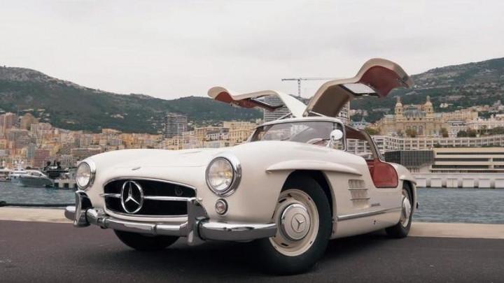 Sve se može, kad se želi: Nico Rosberg uživa vozeći Mercedes iz 1955.