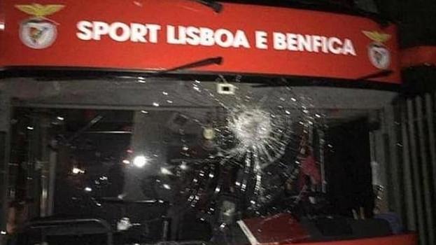 Napadnut autobus s igračima Benfice, dvojica fudbalera u bolnici