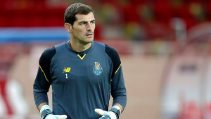 Legendarni Casillas se ipak vraća među stative?