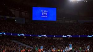 Navijač Manchester Cityja sa stadiona izašao odmah nakon petog gola, a ispred je saznao loše vijesti