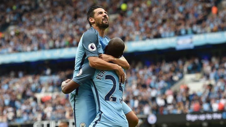 Zarađuje milione u Manchester Cityju, a majka mu prosjakinja