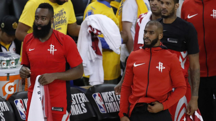 James Harden proglašen za MVP-a NBA lige, pa se na dodjeli pojavio u čudnom odijelu