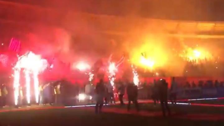 Navijači i igrači Crvene zvezde na spektakularan način proslavili novu titulu prvaka