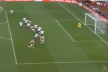 Arsenal sa dva gola bacio na koljena Tottenham