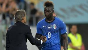 Mancini poslao jasnu poruku Balotelliju, ali i Keanu