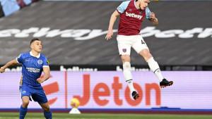 Chelsea i Manchester United u borbi za veznjaka West Hama