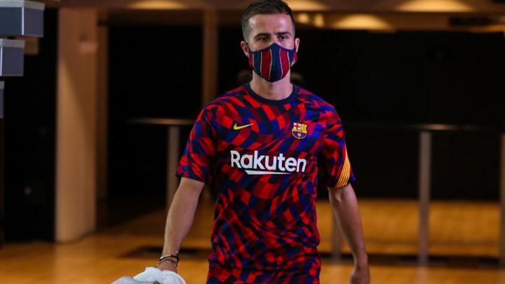 Počeo meč na Nou Campu, Pjanićev status je očekivan