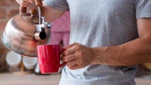 Šest zdravstvenih problema koje može riješiti čaša tople vode