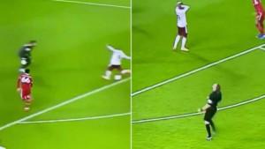Urnebesna reakcija: Sudija se razočarao kada je Lacazette promašio zicer protiv Liverpoola