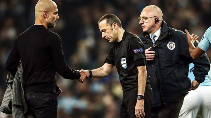 Guardiola nakon meča pokazao sucu Cakiru i svim ljubiteljima fudbala da je gospodin