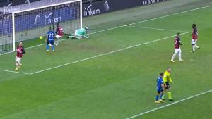 Milan nije izdržao: Inter s bijele tačke i sa igračem više do 1:1