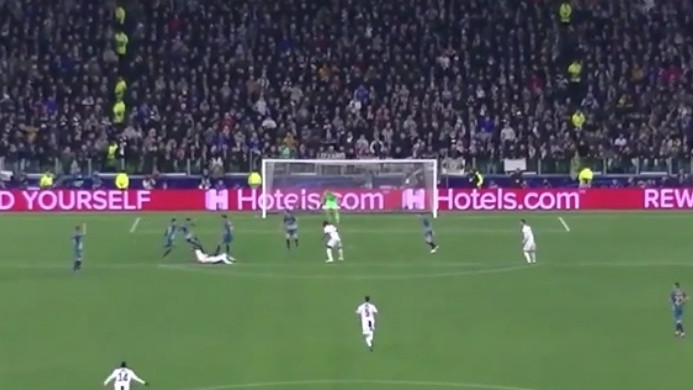 Hit u Italiji: Kako je Pjanić reagovao kada je Juventusu dosuđen penal?