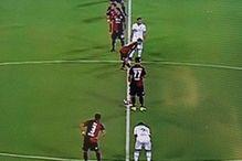 Jeste li vidjeli kako igrači Cagliarija kreću s centra?