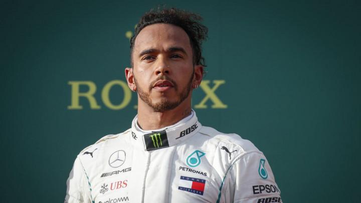 Utrka nije ni počela, a Hamilton žestoko kažnjen!
