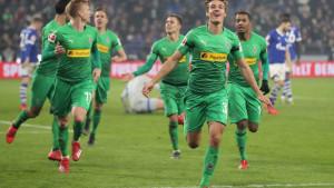 Monchengladbach stigao do pobjede protiv Schalkea i prestigao Bayern na tabeli