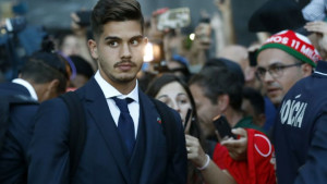 Andre Silva na korak od odlaska iz Milana
