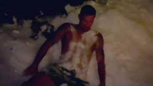 Ni temperatura od -11 mu ne smeta: Lovren se skinuo u bokserice i bacio u snijeg